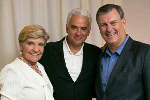 "Mayor Rawlings Enjoys ""Chicago"" at Winspear, Meets With Actor John O'Hurley"